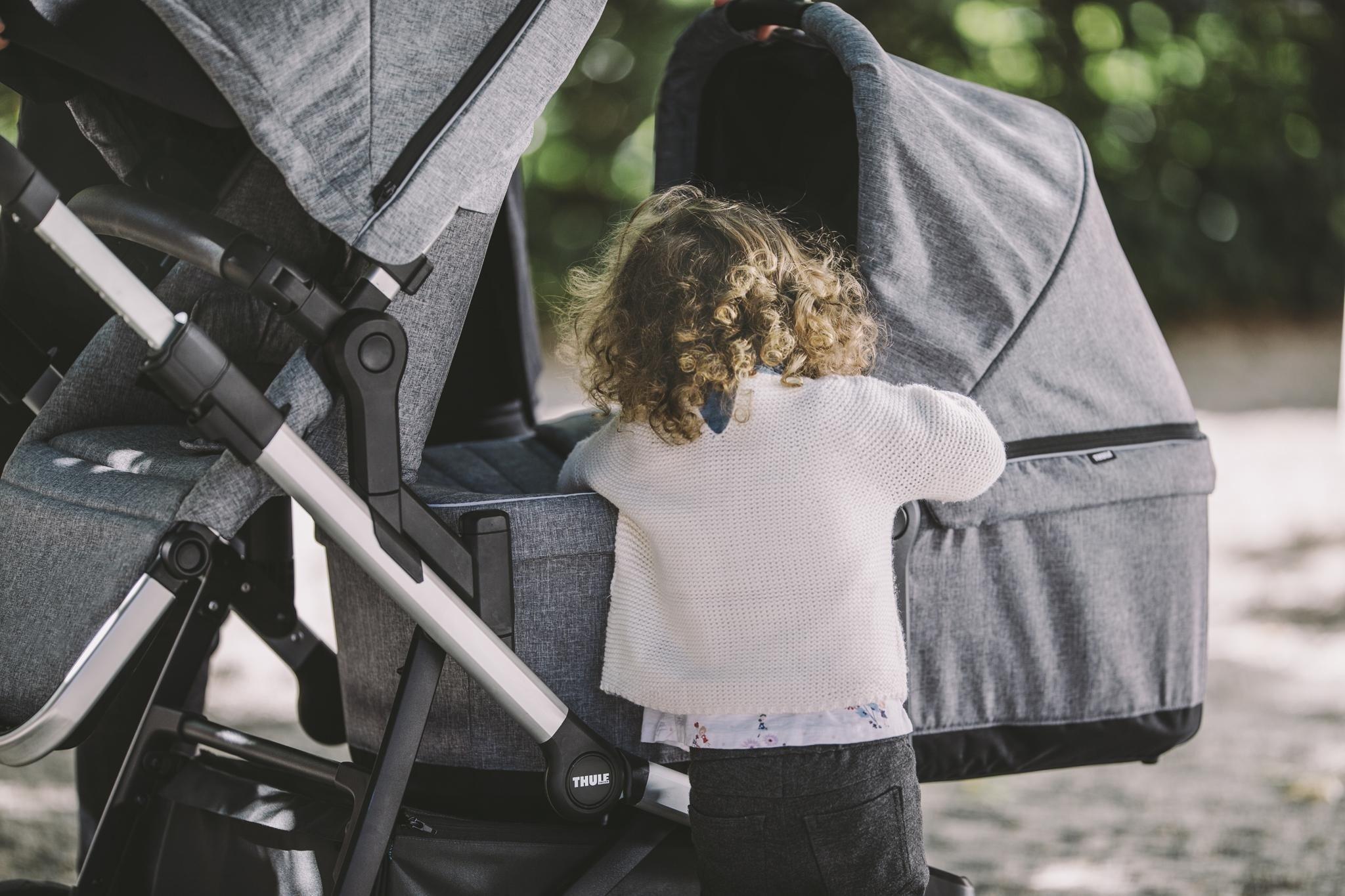 Wózek spacerowy Thule Sleek Grey Melange on Black