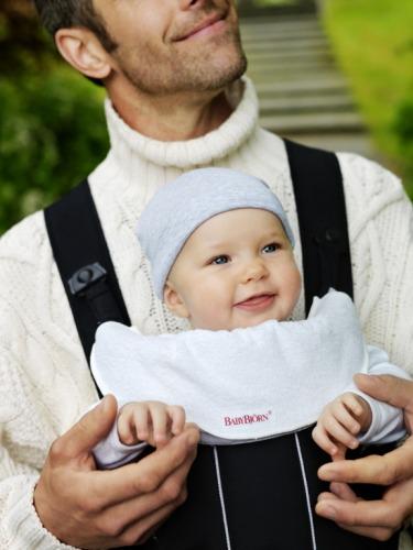 BABYBJORN - śliniaczek do nosidełka, biały